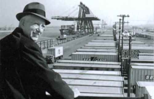 malcolm_mclean_at_railing_port_newark_1957