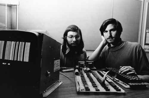 steve_wozniak_et_steve_jobs_en_1976
